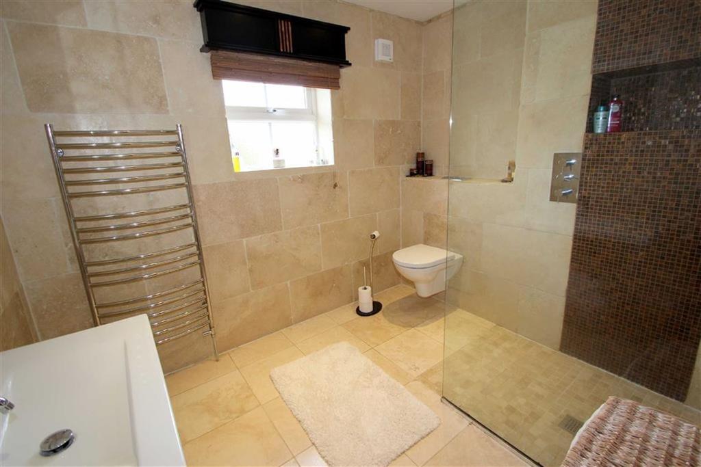 En suite shower room / wc