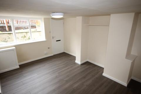Studio to rent - Longroyd View, Beeston, Leesd, LS11 5ET