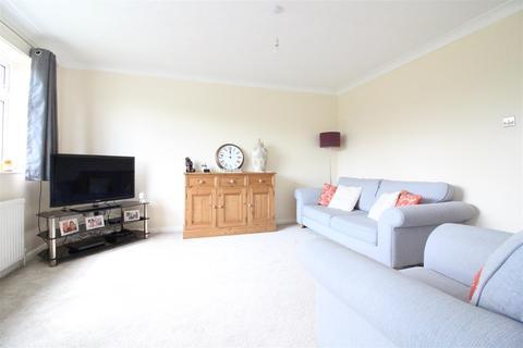 2 bedroom flat for sale - Greendale Court, Cottingham