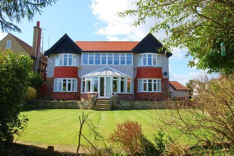 6 bedroom detached house for sale - Lifeboat Avenue, Skegness