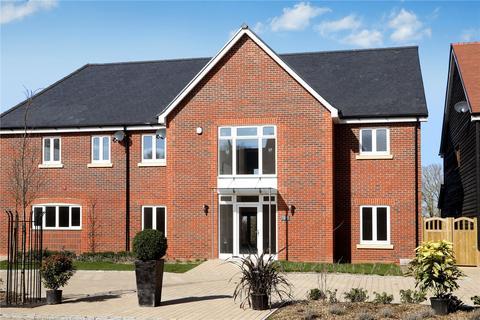 4 bedroom semi-detached house for sale - Lendon Grove, Gubblecote, Tring, HP23