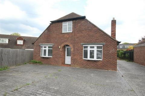 4 bedroom detached house to rent - All Saints Close, CHELMSFORD, Essex
