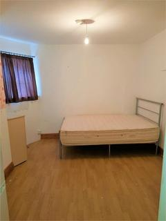 Studio to rent - 527-529 High Road, Leytonstone, London