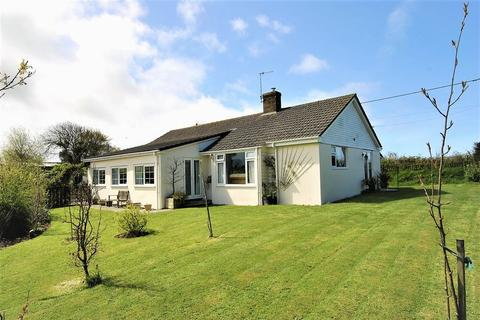 3 bedroom detached bungalow for sale - 3 Bedroom Bungalow, Philham, Hartland