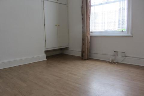 Studio to rent - Evington Road, LE2