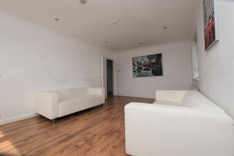 2 bedroom flat for sale - Poplar Court, Old Ruislip Road, Northolt