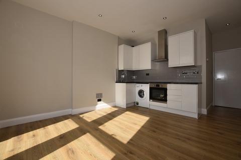 2 bedroom ground floor flat to rent - Selsdon Road, Wanstead