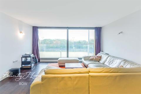 2 bedroom flat to rent - Candy Wharf, E3