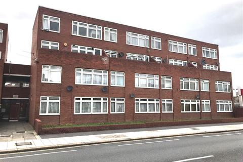 1 bedroom flat for sale - High Road, Chadwell Heath, Romford