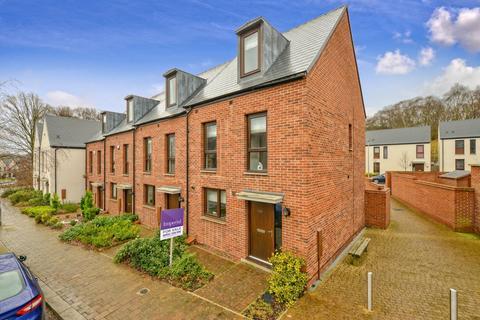 3 bedroom townhouse for sale - Ketley Park Road, Ketley, TF1