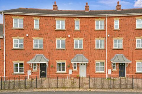 3 bedroom townhouse for sale - Gatcombe Way, Priorslee, TF2