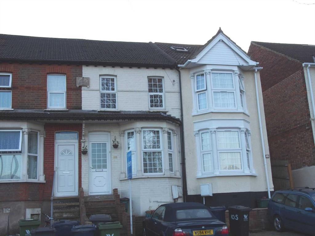 Kitchener Road, High Wycombe 3 bed terraced house to rent - £1,100 ...