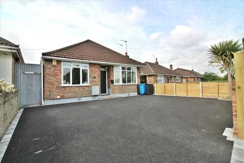 3 bedroom bungalow for sale - Mossley Avenue, Poole