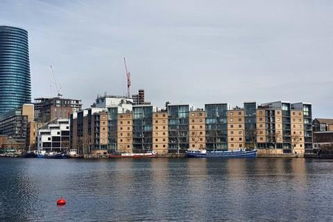 2 bedroom apartment for sale - City Harbour, Selsdon Way, Canary Wharf, E14