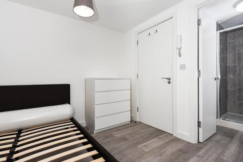 Studio to rent - Windsor,  Berkshire,  SL4