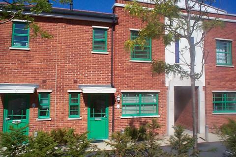 3 bedroom mews to rent - BRABHAM COURT, WORCESTER PARK KT4