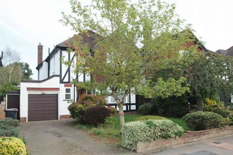 3 bedroom detached house for sale - Woodland Way, West Wickham, Kent