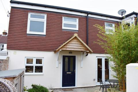 2 bedroom house to rent - Goodwood Road, Southsea, PO5 1NW