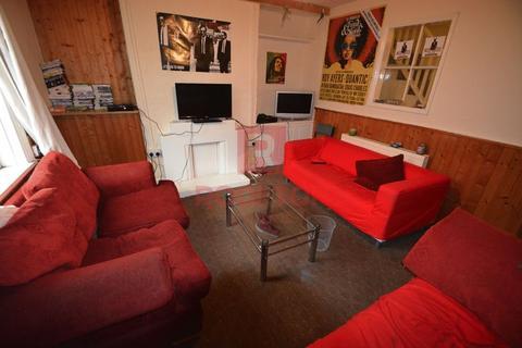 6 bedroom house to rent - Brudenell Grove, Leeds