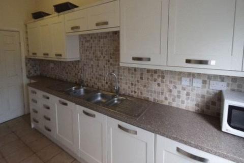 8 bedroom terraced house to rent - 8 Bed - Walking distance to Leeds Uni - Burley Road, Leeds
