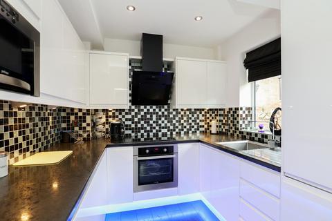 3 bedroom semi-detached house for sale - 3 Sandstone Avenue