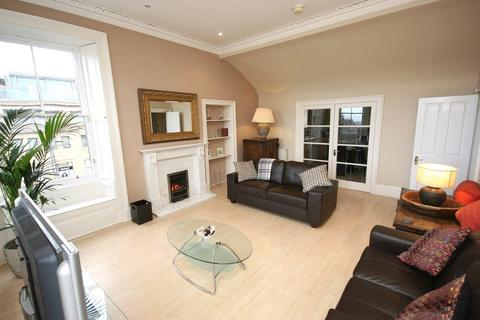 3 bedroom flat to rent - George Street, Edinburgh