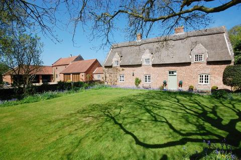 5 bedroom manor house for sale - Old Manor House, Main Road, Saltfleetby, LN11
