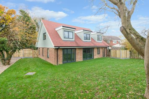 5 bedroom detached house for sale - Chart Road, Kingsnorth, Ashford, TN23