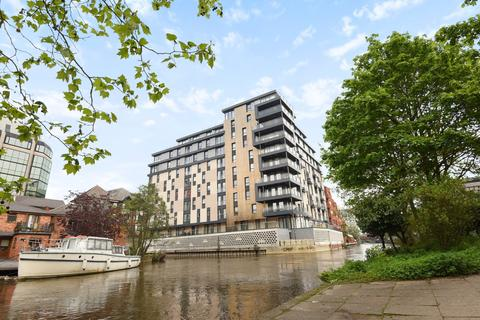 2 bedroom penthouse to rent - Kennet House, 80 Kings Road, Reading, RG1