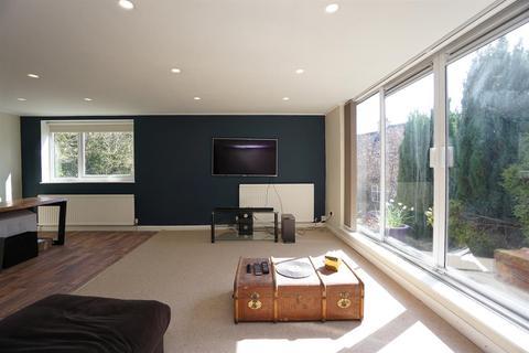 2 bedroom flat to rent - Ranmoor Court, Graham Road, Ranmoor, Sheffield, S10 3DW