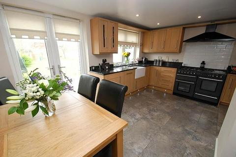 4 bedroom semi-detached house for sale - West Avenue, South Shields