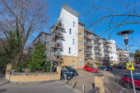 1 bedroom apartment to rent - Coombe Way, Farnborough, GU14