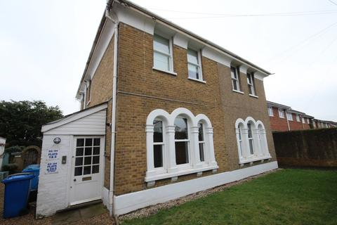 1 bedroom apartment to rent - North Town Road MAIDENHEAD Berkshire