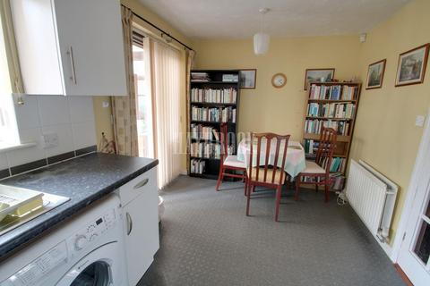 3 bedroom semi-detached house for sale - Fretson Road South, Parklands, S2