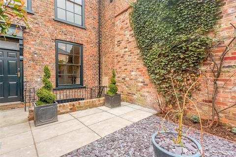 4 bedroom terraced house for sale - Castlegate, York, YO1