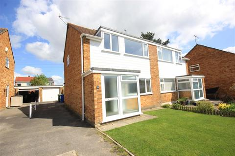 3 bedroom semi-detached house to rent - Sunridge Close, Branksome, Poole