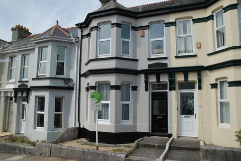 1 bedroom apartment to rent - Rosslyn Park Road, Peverell - First Floor Flat