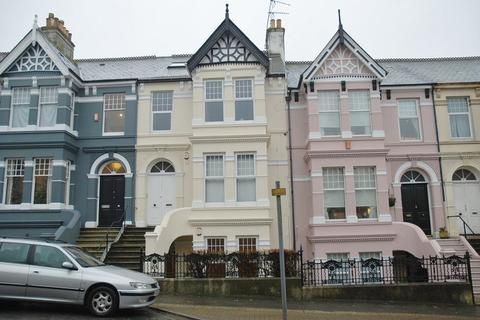 Studio to rent - Peverell Park Road, Plymouth - Studio flat with garden in sought after location