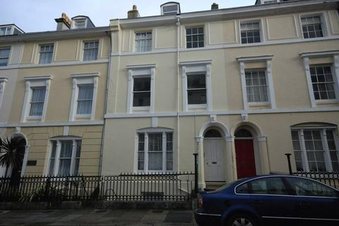 2 bedroom apartment to rent - Holyrood Place, Plymouth - Spacious 2 bed apartment on The Hoe