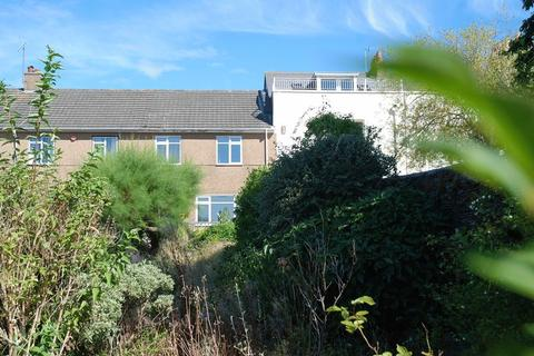 3 bedroom terraced house to rent - Somerset Place, Plymouth - Exceptionally spacious 3 bed property in popular location