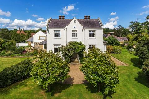 7 bedroom property to rent - HAXTED