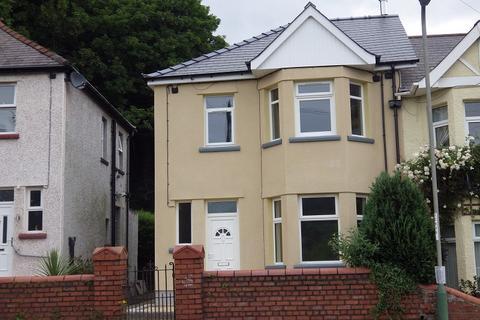 3 bedroom semi-detached house to rent - Herbert Avenue, Risca, Newport.