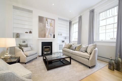 4 bedroom flat to rent - Wilton Crescent, Belgravia