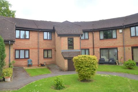 1 bedroom apartment for sale - Burrcroft Court, Reading, Berkshire, RG30