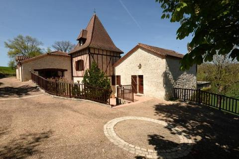 5 bedroom country house  - Near Beauville, Lot Et Garonne, South West France