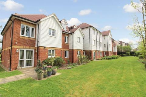 2 bedroom retirement property for sale - Penlee Close, Edenbridge