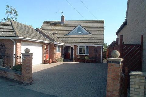 4 bedroom detached house to rent - West Fen Road, Ely