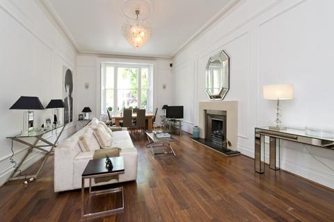 4 bedroom apartment to rent - Montagu Square, Marylebone, London, W1H