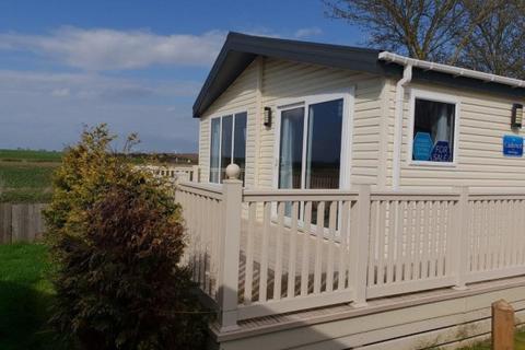 2 bedroom lodge for sale - Seawick Holiday Ltd, Beach Road, Clacton-on-Sea, CO16