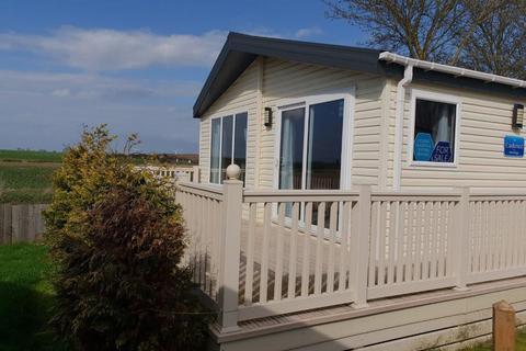 2 bedroom lodge for sale - St Oysth